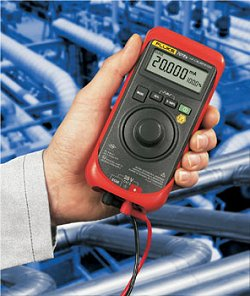 """O Fluke 707ex tem um visor grande e botão de pressão rotativo """"Quick-click"""" simples, para operação fácil com uma só mão"""